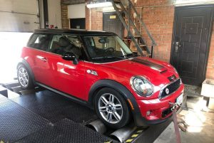 Mini CooperS R56 1.6t dyno 300x201 - Чіп тюнінг Mini CooperS R56 1.6t Stage2